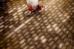 ... med den røde cykel